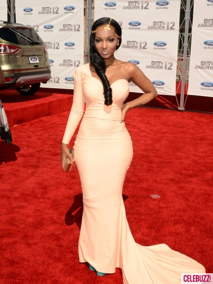 BET-Awards-2012-Red-Carpet-Arrivals-19-435x580