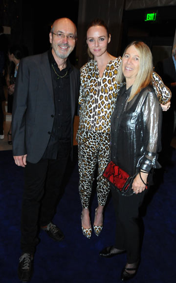 Artist Bill Viola, Stella McCartney and Kira Perov at the Phillips de Pury/Vanity Fair/MOCA dinner at Mr. Chows at the W South Beach